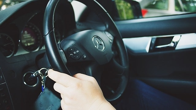 How defensive driving can help you save money & become a safer driver