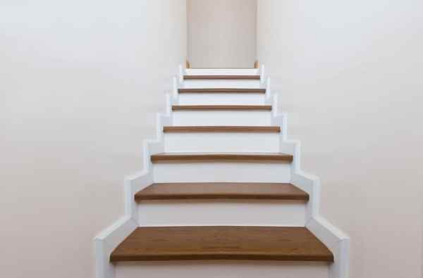 Narrow home staircase