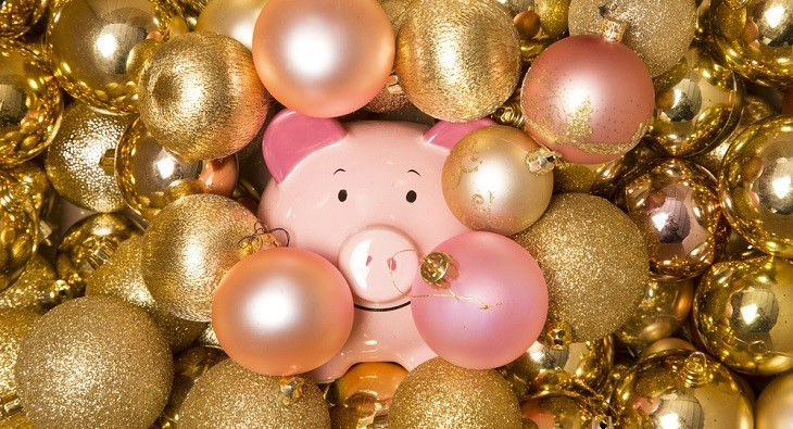 11 creative ways to save money at Christmas