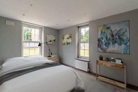 The Raffle House main bedroom
