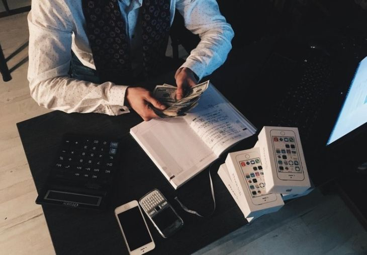 4 Money Management Tips that Will Help You Take Control of Your Finances
