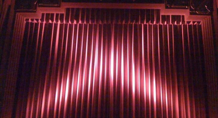 Closed theatre curtains