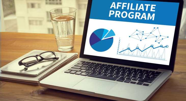 Make money on social media with affiliate marketing