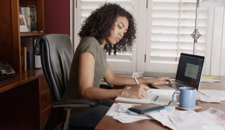 How to save money when starting a business: a short guide