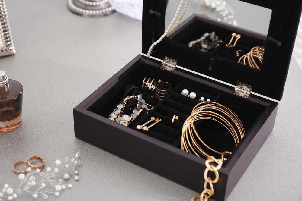 Bella Vintaj - Jewelry