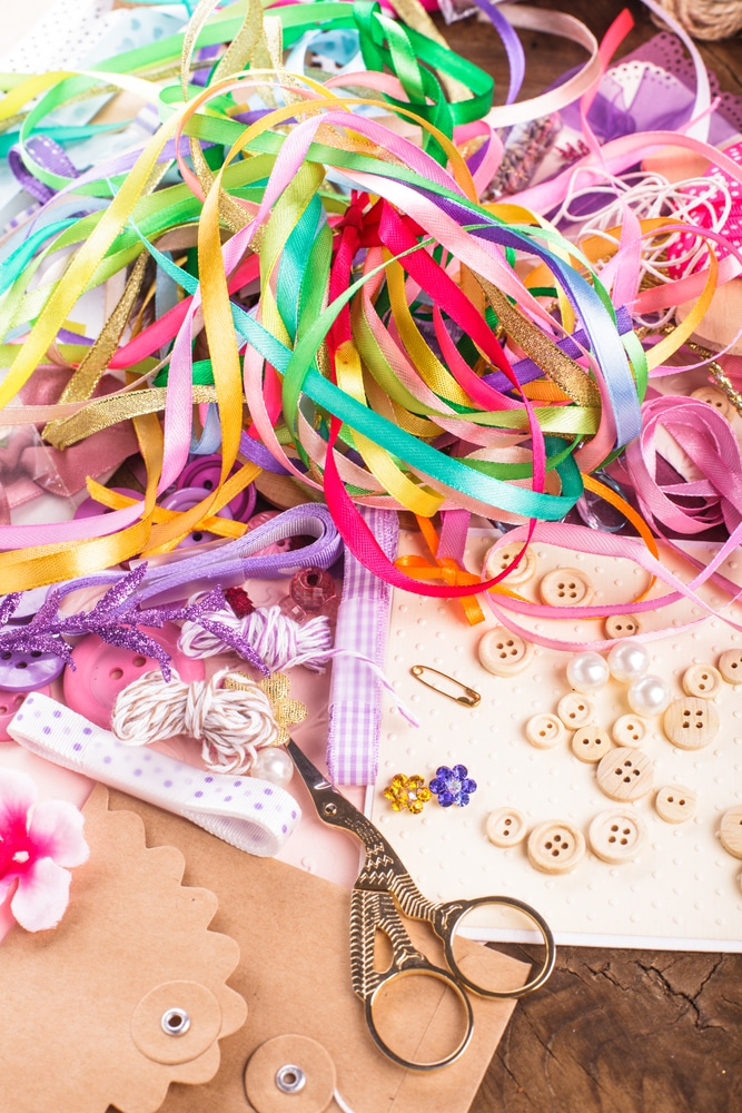Assemble crafts at home for income