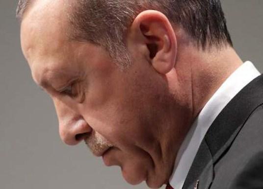 Σε νέο χαμηλό η τουρκική λίρα – «Μπρος γκρεμός και πίσω ρέμα» για τον Ερντογάν