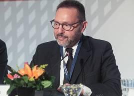 Στουρνάρας στη Handelsblatt: Δεν πρέπει να επαναλάβουμε τα ίδια σφάλματα