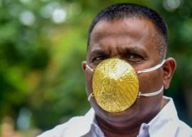 Κορωνοϊός: Ινδός πλήρωσε 4.000 δολάρια για χρυσή μάσκα (Photos)