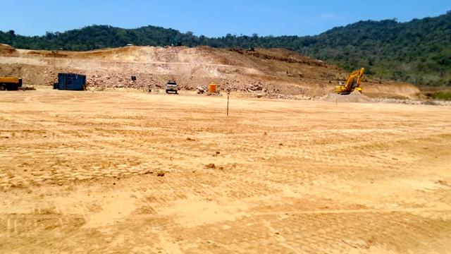 Kondisi lahan di wilayah pertambangan sedang dalam konstruksi. Foto: BaFFEL