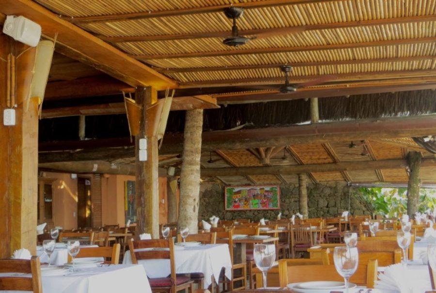 Restaurantes Chapéu de Sol e Badauê em Juqueí