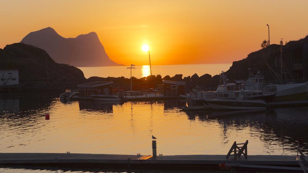 """Hotel """"Hamn i Senja"""" o melhor da ilha de Senja, Noruega. E a Aurora boreal"""
