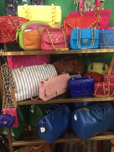 Qoo VIntage Tokyo - Chanel purses
