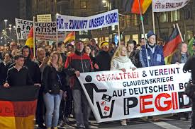 """Manifestación organizada por el movimiento xenófobo alemán """"Pegida"""""""