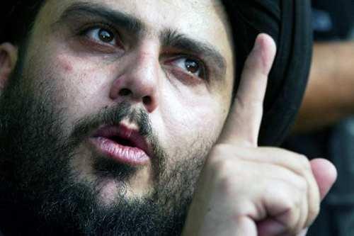 """En una rueda de prensa en la ciudad de Najaf, a unos 160 kilómetros al sur de Bagdad, Al-Sadr expresó su rechazo a lo que describió como """"un sistema político que no toma en cuenta la voluntad popular""""."""