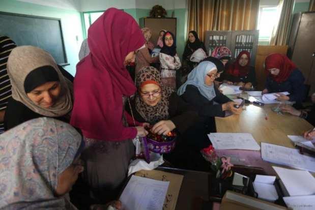 20160712_Palestine-Exam-Results-Students-015