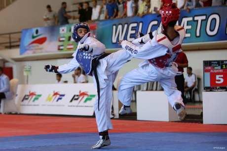 RAMALA, PALESTINA: Combate de Taekwondo durante el Campeonato Internacional de Taekwondo celebrado en la ciudad cisjordana de Ramala