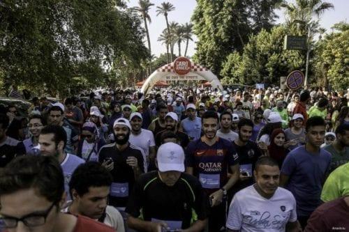 EL CAIRO, EGIPTO: Una carrera por la Humanidad. Los participantes toman las calles en el Día Mundial de la Asistencia Humanitaria.