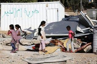 Israeli-forces-demolish-Palestinian-homes-houses-02