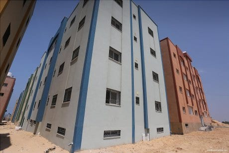 Victims-of-2014-war-on-Gaza-receive-56-housing-units-04