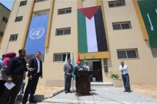 Victims-of-2014-war-on-Gaza-receive-56-housing-units-07