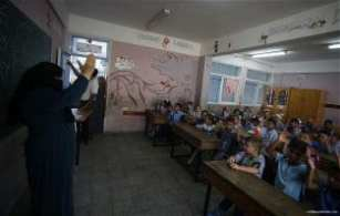 1.2m-Palestinian-students-back-at-school-02