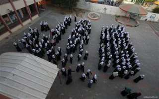 1.2m-Palestinian-students-back-at-school-11