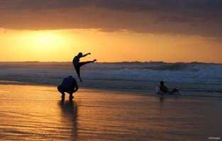 GAZA, PAELSTINA; ¡Creo que puedo volar!
