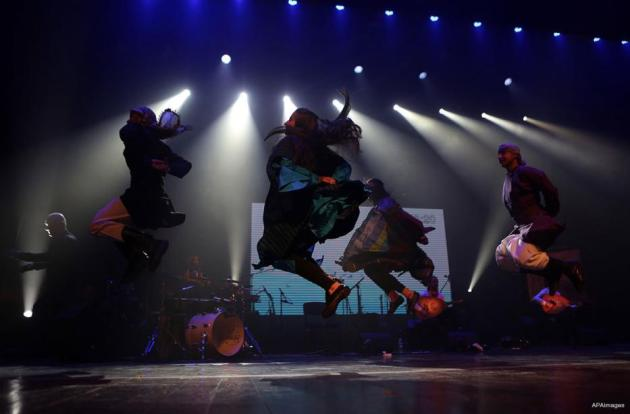 RAMALA, PALESTINA; ¡Toca el cielo! Espectáculo de danza durante la maratón artísticas más larga, ¡duró doce horas!