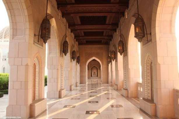 sultan-qaboos-grand-mosque