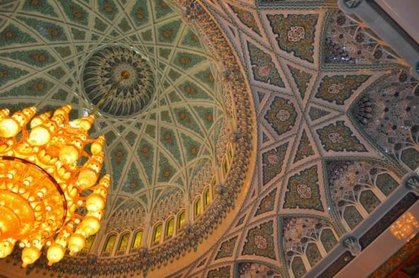 sultan_qaboos_grand_mosque_oman_chandelier-e1478600920331
