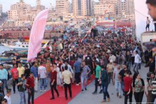 Una actuación durante la ceremonia de inauguración del tercer festival anual de cine sobre derechos humanos de Gaza, el 12 de Mayo de 2017. [Imagen: Mohammad Asad / Middle East Monitor]