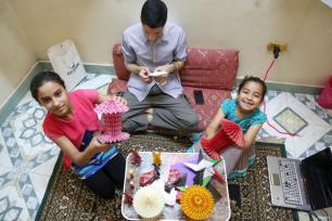 Egipto- La Decoración de Ramadán llega este año con tintes japoneses inspirada en el Origami, el arte de la papiloflexia tridimensional. (Ahmed Al Sayed - agencia Anatolia)