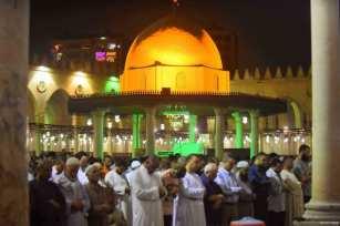 El Cairo, EGIPTO- Azala del tarawih en la mezquita de Amr Ibn al-Aas