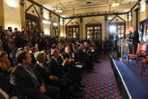 El Primer Ministro israelí Benjamin Netanyahu (D) y el Primer Ministro indio Narendra Modi IL)en una rueda de prensa conjunta tras su reunión en Jerusalén el 5 de julio de 2017 [Haim Zach / GPO / Handout / Agencia Anadolu]