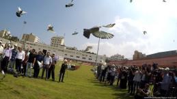 Las palomas gazatíes toman el vuelo en Gaza el 18 de agosto de 2017. (Muhammad Asad)