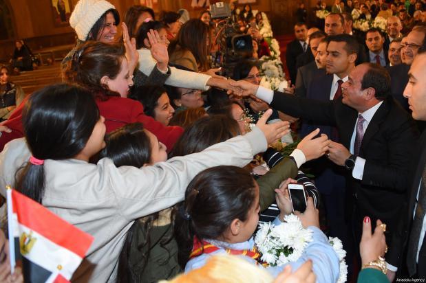 El presidente egipcio Abdel Fattah al-Sisi durante la ceremonia de apertura de la nueva catedral copta en El Cairo, Egipto, 6 de enero de 2018 [Presidencia egipcia / Folleto - Agencia Anadolu]