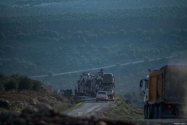 Las unidades del ejército libre sirio se dirigen hacia las áreas ocupadas por el PYD y el PKK, 20 de enero de 2018 en Kilis, Turquía [Kerem Kocalar / Agencia Anadolu]
