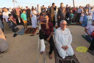 Protesta y oración se unen en el rezo de la fiesta del Aid en Gaza (Mohammed Asad/Middle East Monitor)