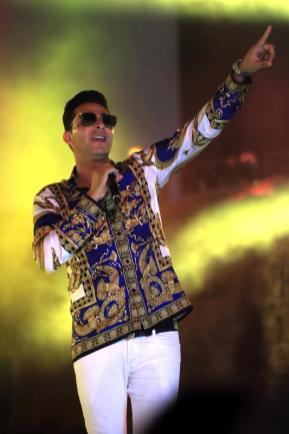 El rapero franco-argelino L'Algerino se presenta durante el 54 ° Festival Internacional de Cartago en el Teatro Antiguo de Cartago el 8 de agosto de 2018 en Cartago, Túnez [Yassine Gaidi / Agencia Anadolu]