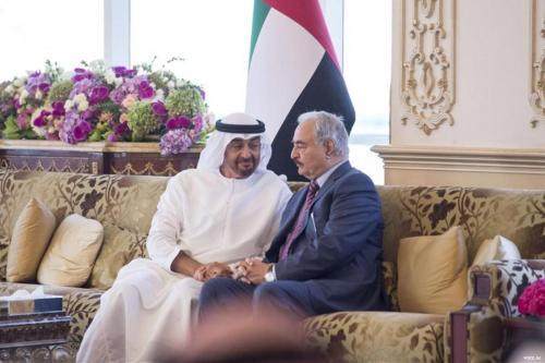 Emiratos Árabes Unidos apoya la ofensiva de Haftar contra las…