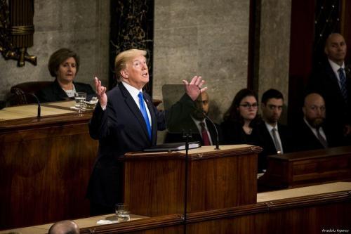 Desafiando al Congreso, Trump establece más de 8.000 millones de…