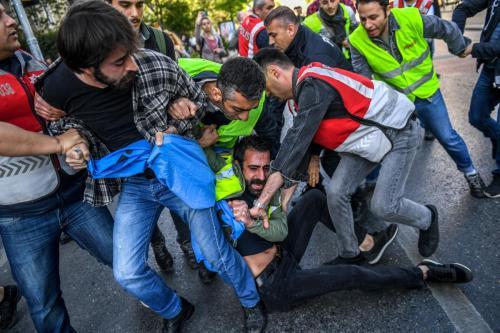 Turquía detiene a 137 manifestantes en Estambul el Día del…