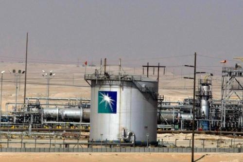 Aramco planea reducir sus gastos en los ministros, incluido Al-Falih