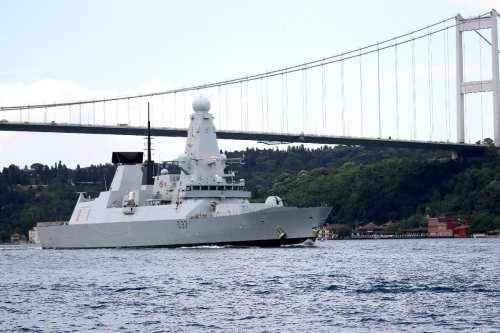 El segundo barco de la Armada del Reino Unido llega…