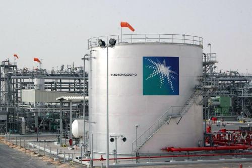 Arabia Saudí eleva los precios del combustible local