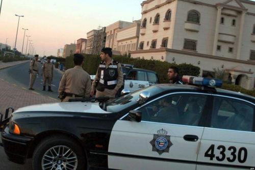 Amnistía Internacional dice que Kuwait arresta a decenas de bidunes…