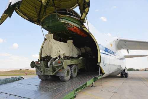 Turquía probará los sistemas rusos S-400 a pesar de la…
