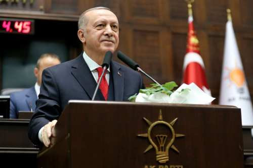 Erdogan y Trump discuten los desarrollos de Libia en una…