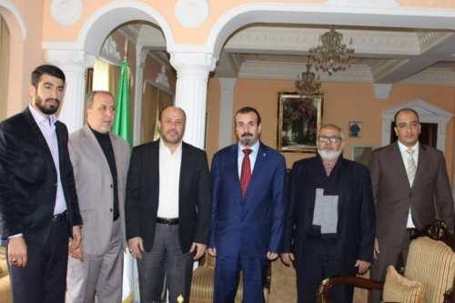 Hamás visita al nuevo embajador de Argelia en Líbano